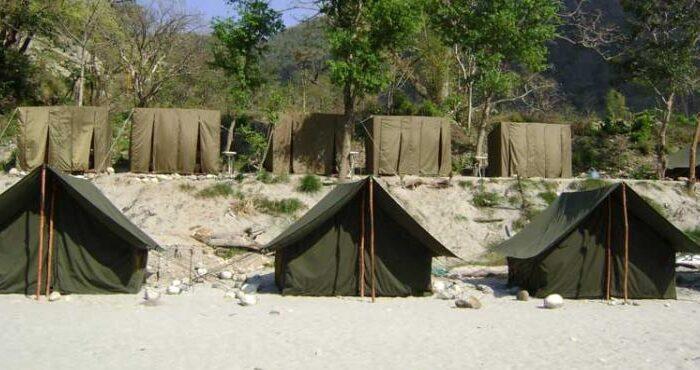 camp-eagle-nest-washrooms